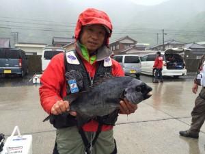 宮脇さん  石鯛57cm
