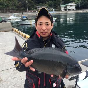鍋島さん  尾長49cm