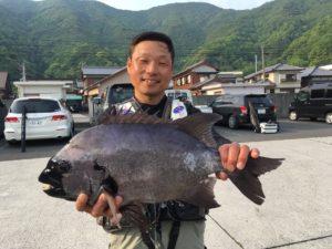 宮脇さん   石鯛57cm  3.4kg