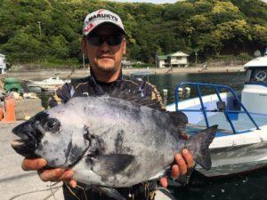 武藤さん   石鯛56cm