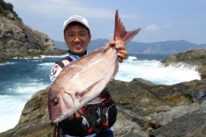 62cmマダイを釣った寺田さん