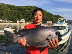 宮脇さん   石鯛62cm 4.6kg